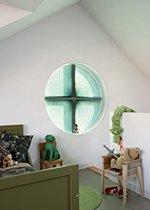 Atypické kruhové okno s plissé