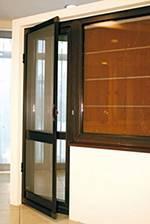 Otočné dveřní sítě proti hmyzu