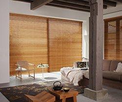 Dřevěné žaluzie přírodního vzhledu