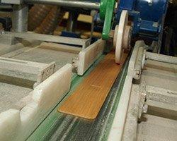 Profesionální zpracování lamel dřevěných žaluzií