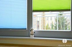 Instalace plissé a duette na okenní křídlo v dětském pokoji