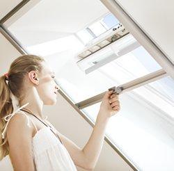 síť proti hmyzu do střešního okna