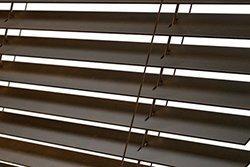 šňůrový žebříček dřevěných žaluzií